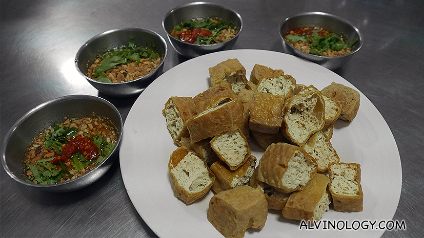 Fried tofu with thai chili dip