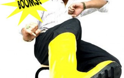 Phua Chu Kang mimicking Ris Low