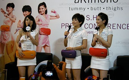 S.H.E. uKimono Press Conference @ ION Orchard