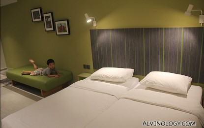 Where to get hotel rooms in town at less than S$150/night