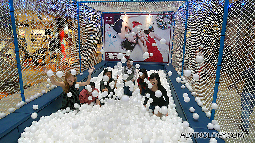 Here's where adults can dive into a giant ball pit without getting judged - Alvinology
