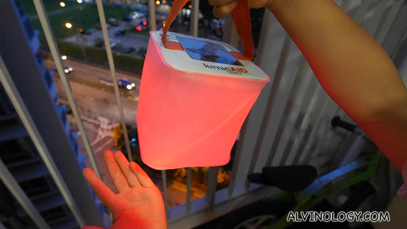 [GIVEAWAY] LuminAID Inflatable Solar Light is Now Available in Singapore - Alvinology
