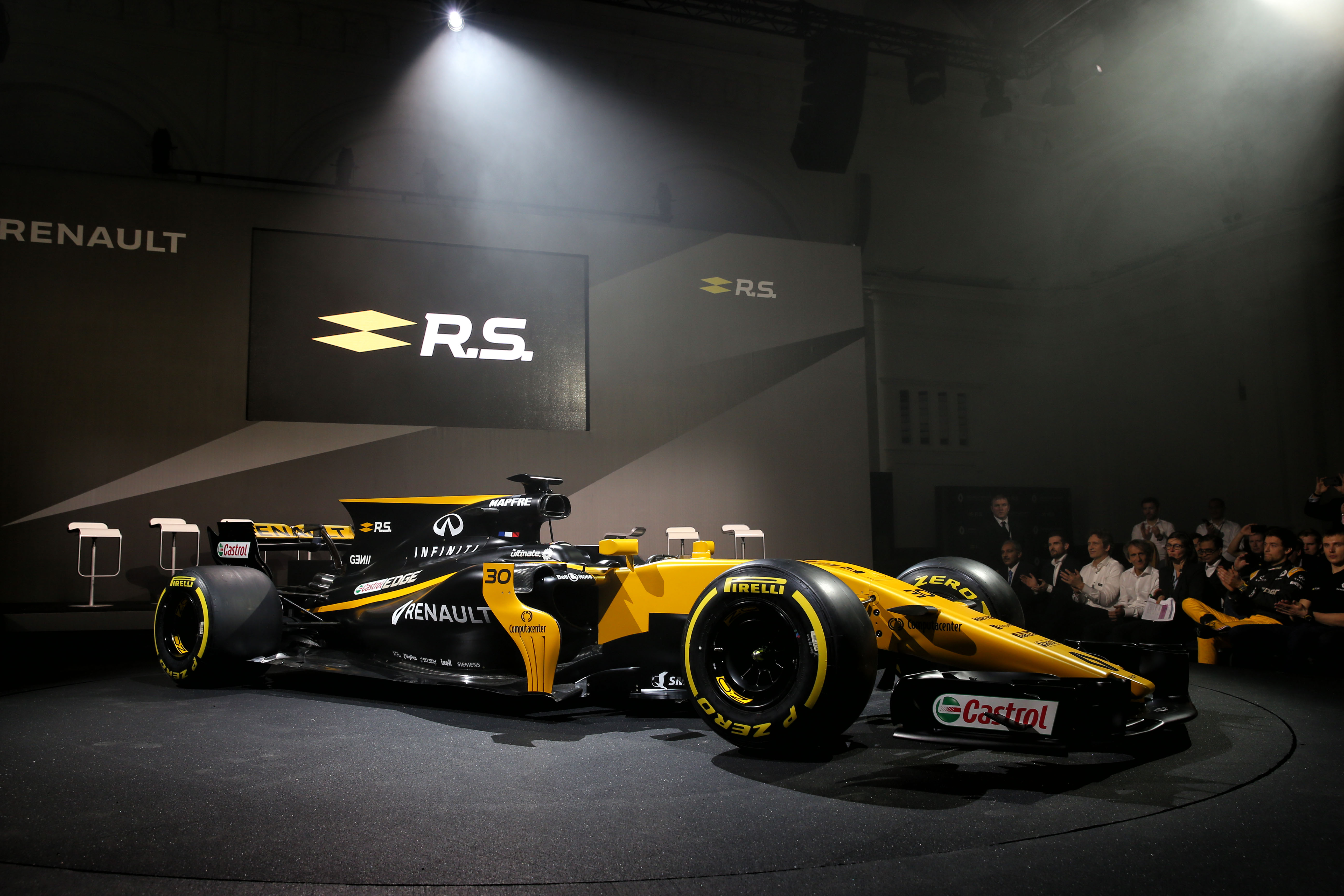 bell ross unveils new timepiece at renault sport f1 team new r car livery launch alvinology. Black Bedroom Furniture Sets. Home Design Ideas