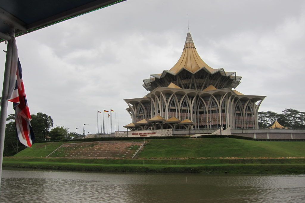 Cats, Orangutans and Kolo Mee: 8 things to see, do and eat in Kuching, Sarawak in Malaysia - Alvinology