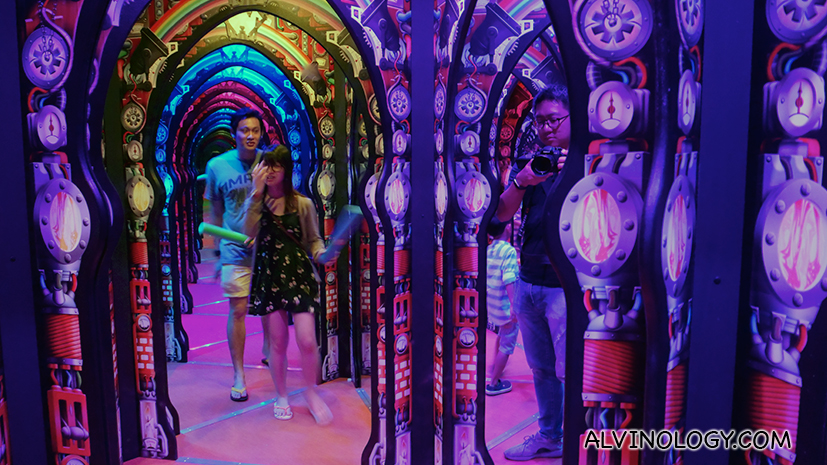 Asia's Largest Mirror Maze debuts in Singapore and Admission Cost is just from S$4 - Alvinology