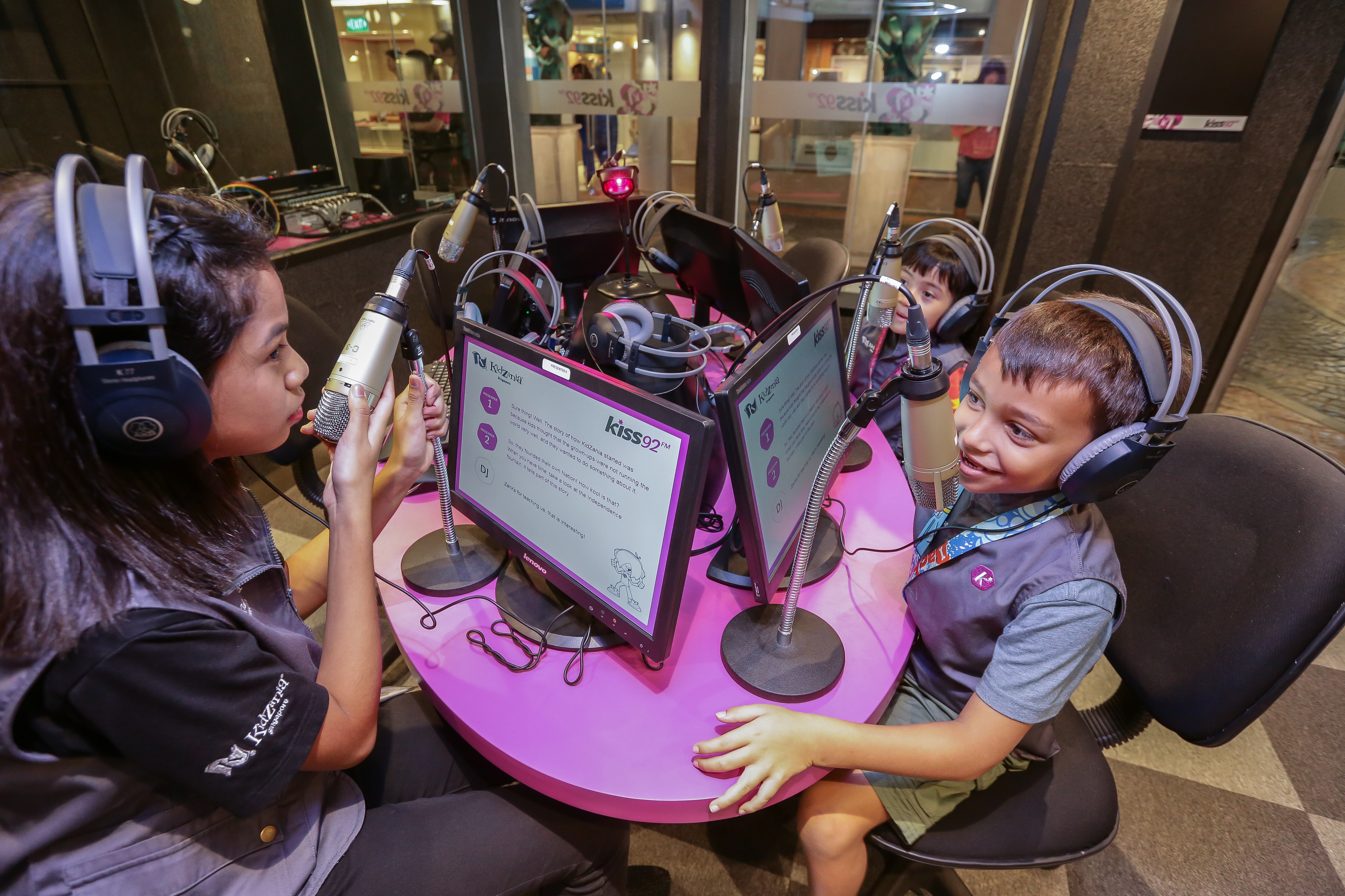 Play with cashless vending machines, robots and drones for the KidZ & Tech event at KidZania Singapore - Alvinology