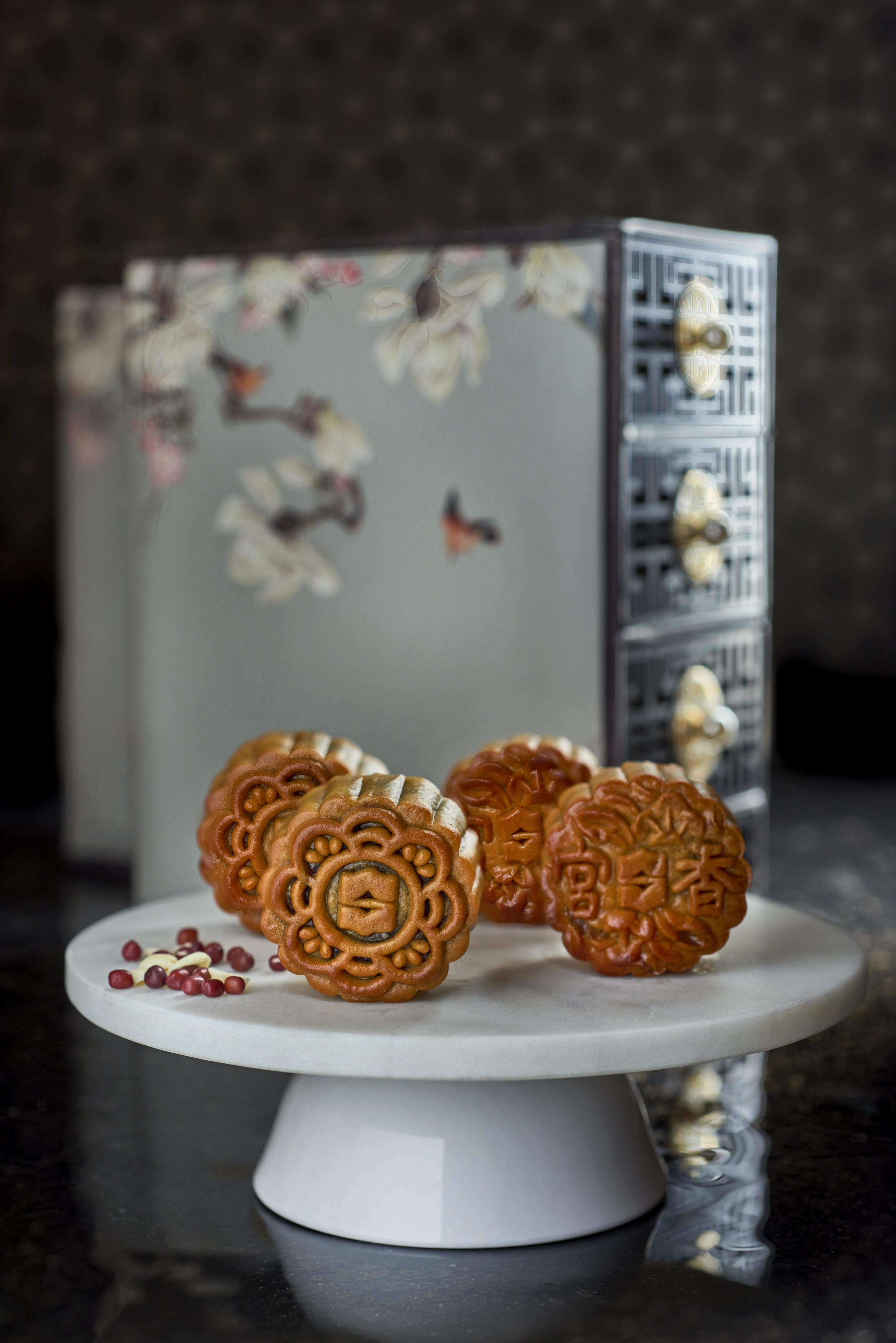 Shang Palace at Shangri-La Hotel offers gorgeous mooncakes that may be too good to eat - Alvinology