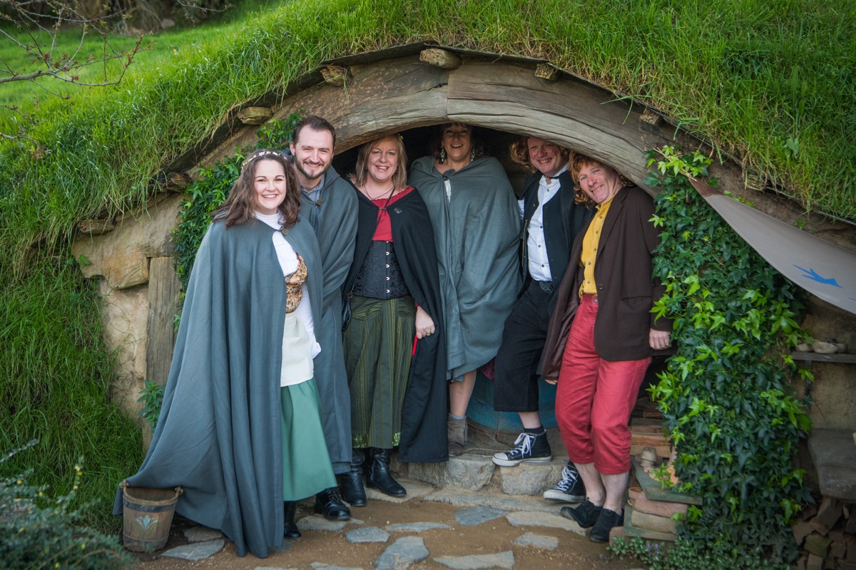 """""""Unexpected party"""" in Hobbiton for International Hobbit Day shows how the wee folk party every year - Alvinology"""