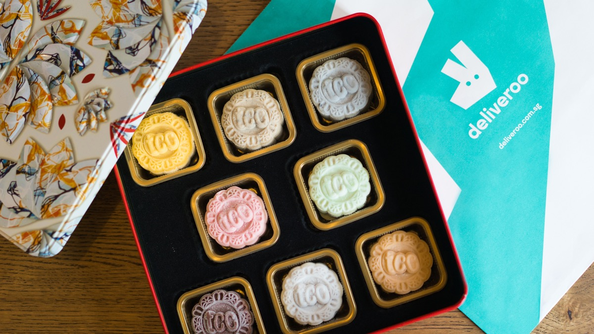 Deliveroo sends mooncake box sets as low for as $32.50 to your doorstep in 30 minutes! - Alvinology