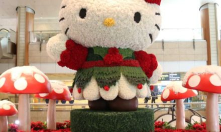 Hello Kitty And Sanrio Friends Return For a Kawaii Christmas at Changi Airport