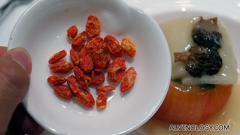 Goji berries to sprinkle on the dish
