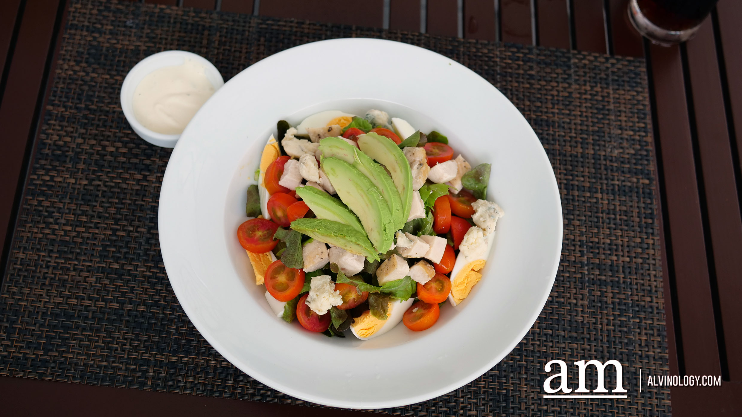 Cobb Salad (THB 289) - Chicken, blue cheese, avocado, romaine lettuce, tomato, hard-boiled egg with French dressing