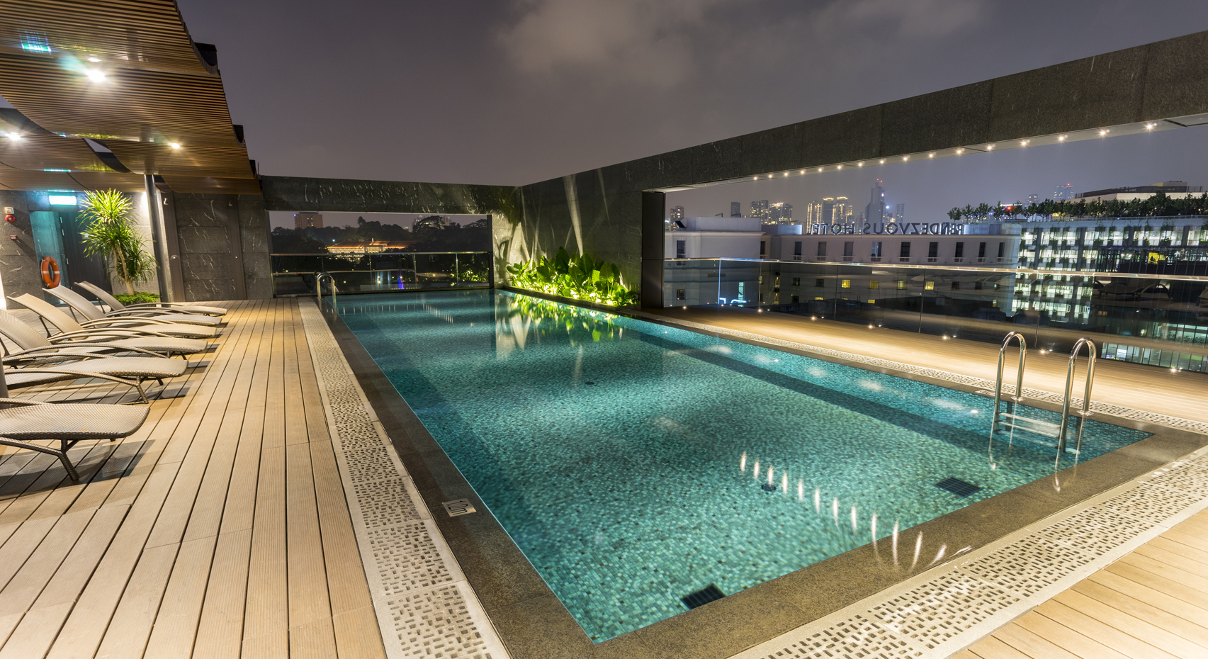 30ben Rooftop Swimming Pool Alvinology