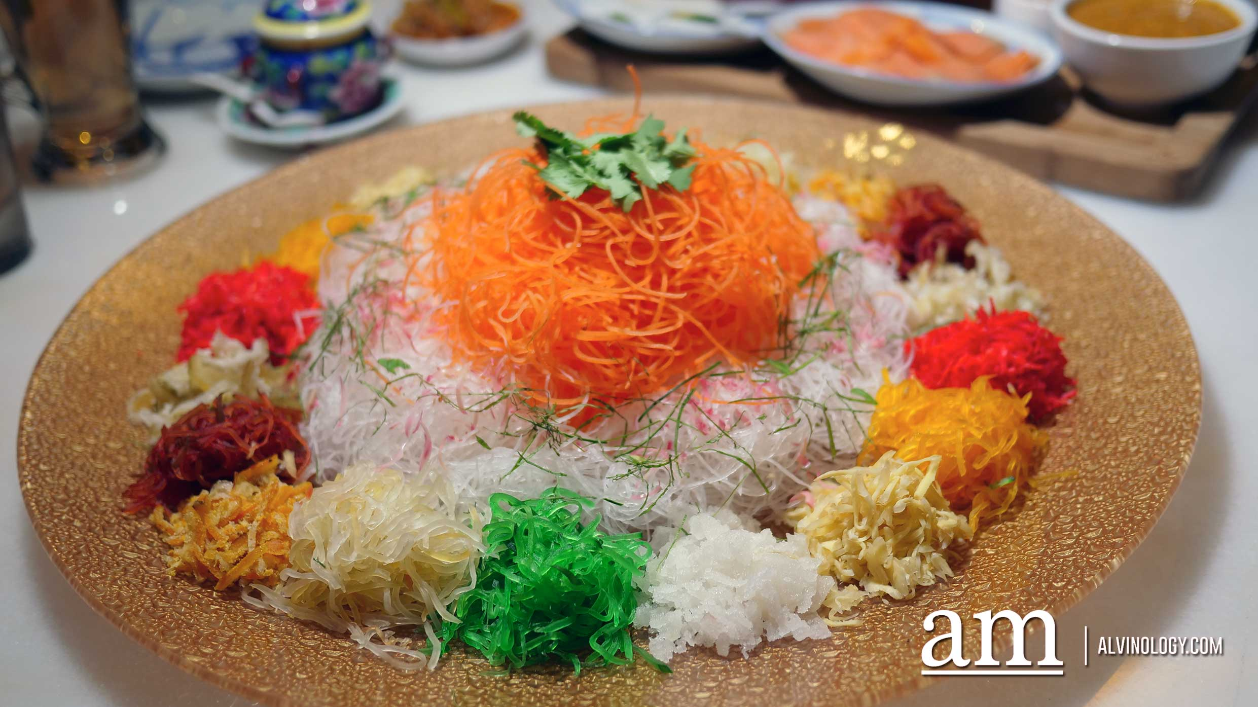 How about a Peranakan-style Lunar New Year reunion dinner this year? Available at INDOCAFE - the white house - Alvinology