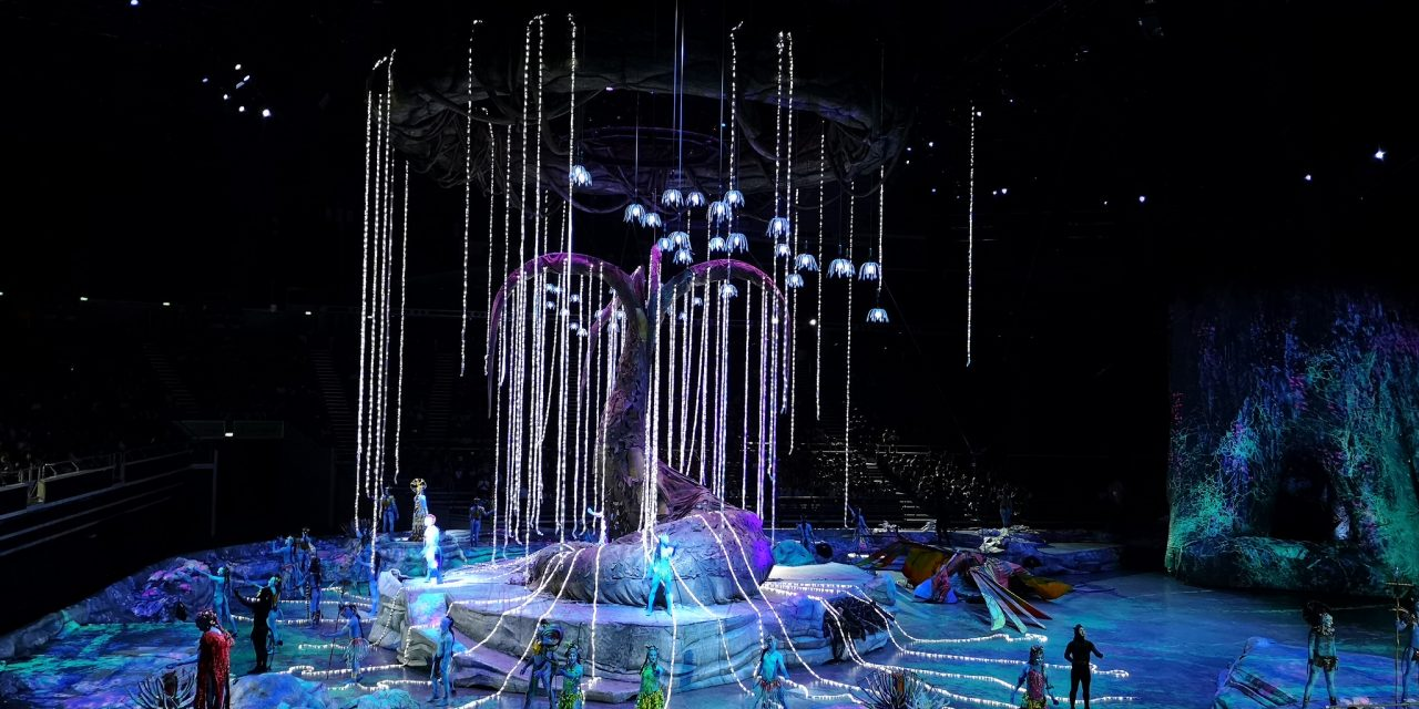 Toruk – The First Flight sweeps feet with lights and show