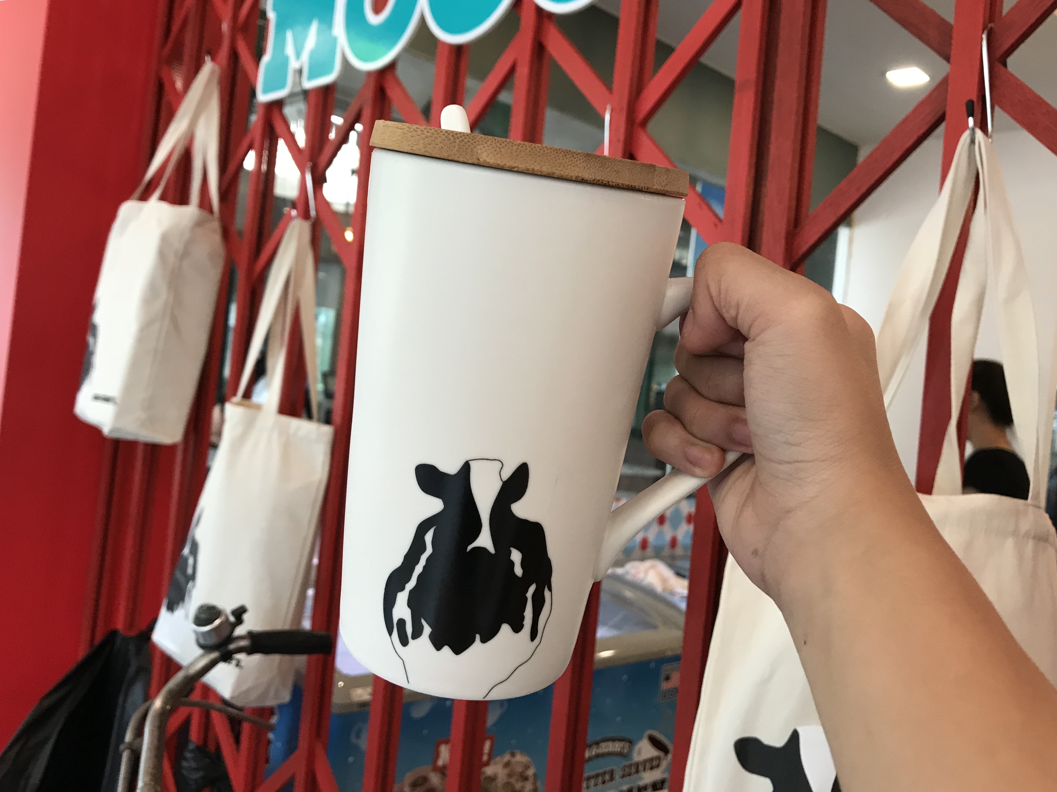Here's what you can expect at Ben & Jerry's Scoopitiam! - Alvinology