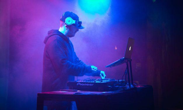 International DJ jaysnbrwn in Singapore