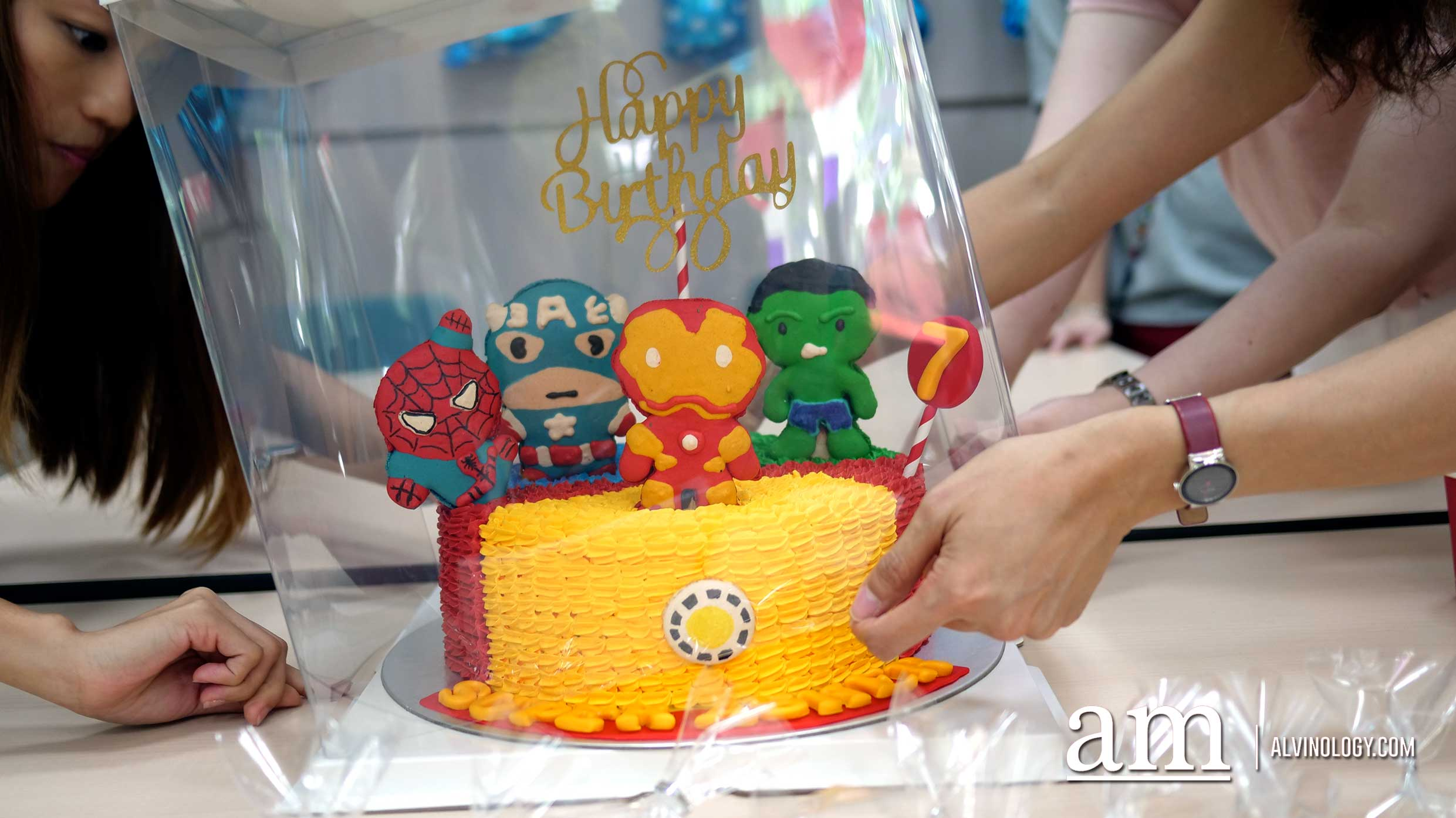 Looking to Order Customised Macarons, Cookies and Cakes in Singapore? Try BakeAvenue - Alvinology