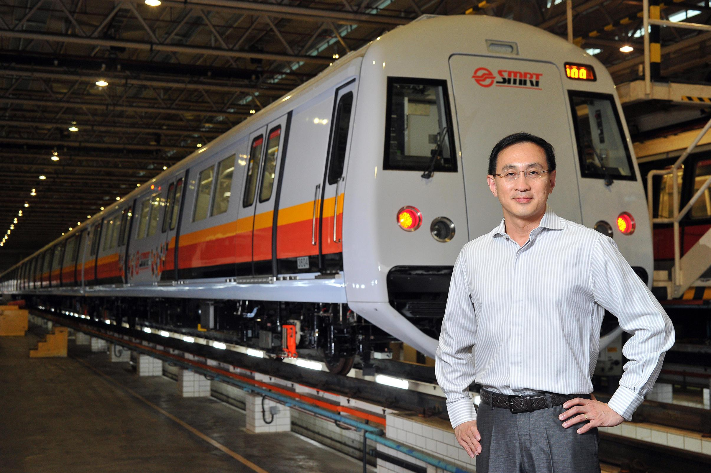 Former SMRT CEO Desmond Kuek sets up company to give leadership training - Alvinology