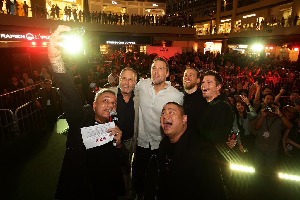 Netflix's Triple Frontier - Ben Affleck, Charlie Hunnam, Garrett Hedlund and Chuck Roven in Singapore - Alvinology