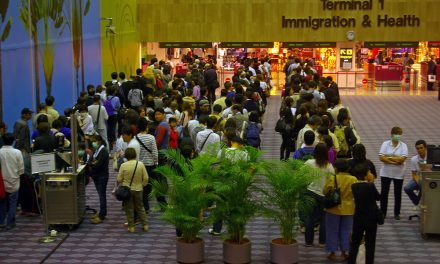 Changi Airport denies prohibiting employee use of face masks to prevent panic