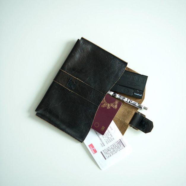 Travelmall Ultra Slim Multi-Storage SIM Card Organizer - Alvinology