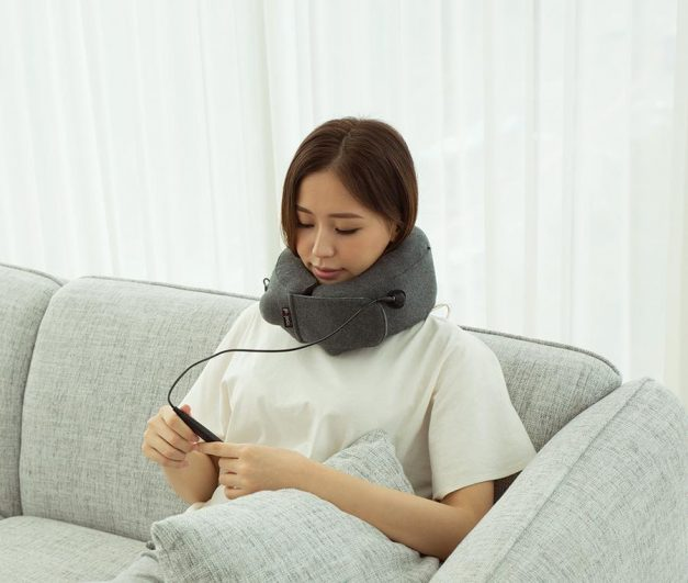 Travelmall Inflatable Infrared Heat Pillow with Patented 3D Pump - Alvinology