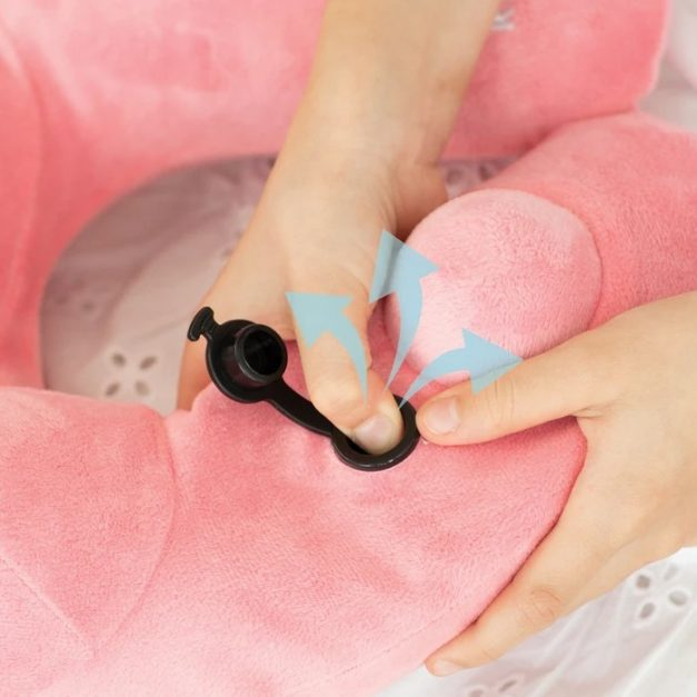Travelmall x Hello Kitty Hooded Pillow with Patented Pump - Alvinology