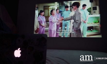 [#SUPPORTLOCAL] Get your Own Home-Theatre with This S$299 LUMOS Smart Projector