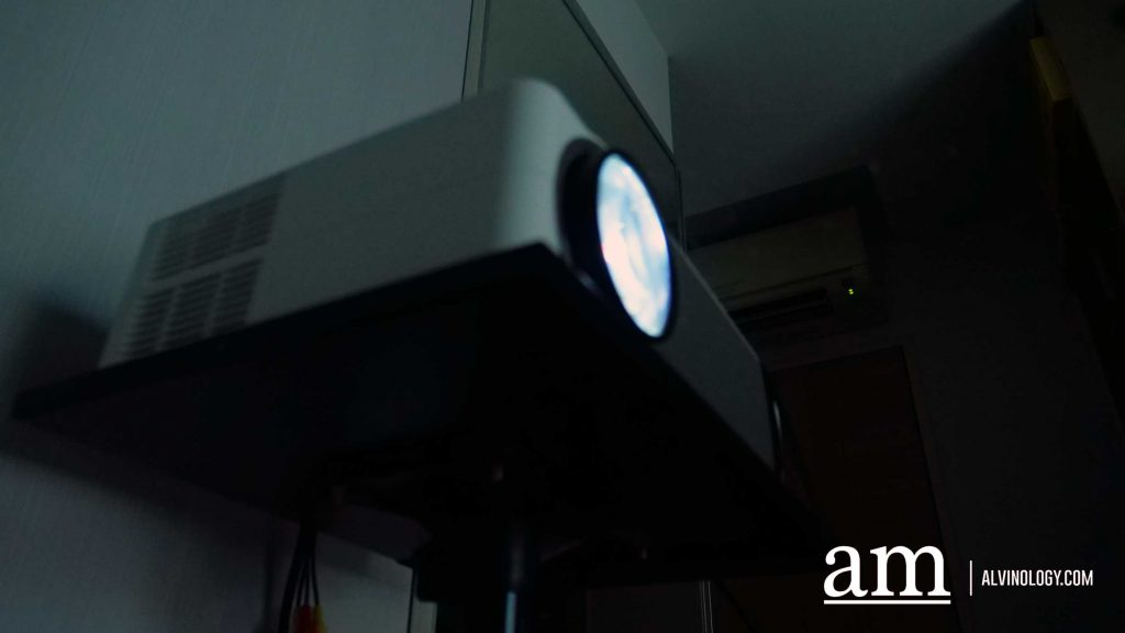 [#SUPPORTLOCAL] Get your Own Home-Theatre with This S$299 LUMOS Smart Projector - Alvinology
