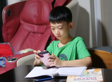 Asher gets instant one-to-one homework help with the Snapask app - Alvinology